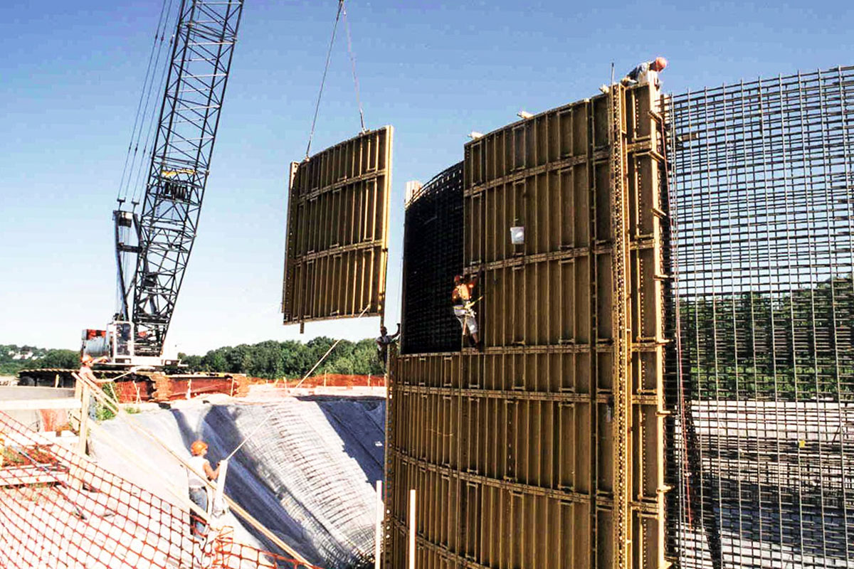 Placing the concrete walls of a digester