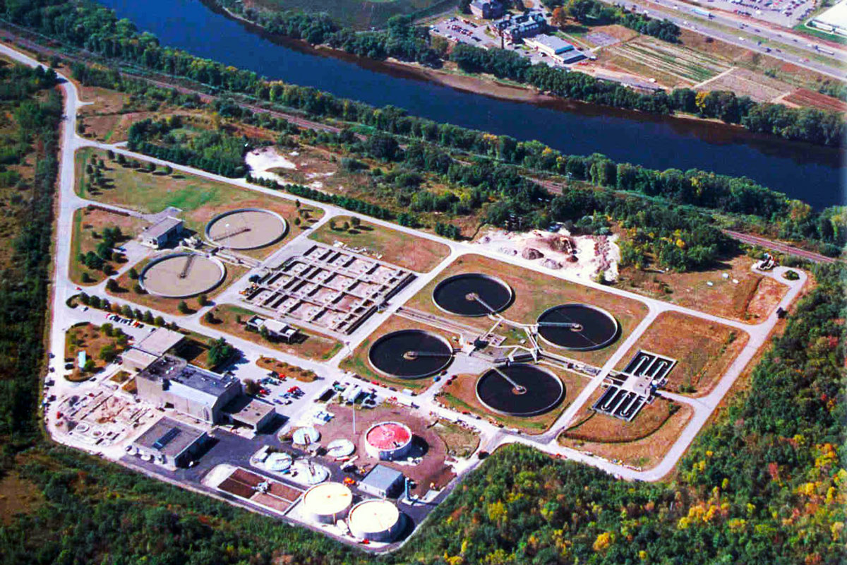 Aerial view of GLSD wastewater treatment facility.  The new anaerobic digesters are in the lower right-hand corner