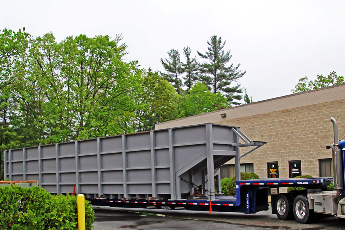 A specially equiped flatbed trailer was used for transporting the tank sections